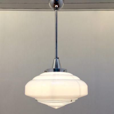 Suspension holophane opaline&alu_vue allumée_Maison_Liedekerke_maisonLK-MLK4