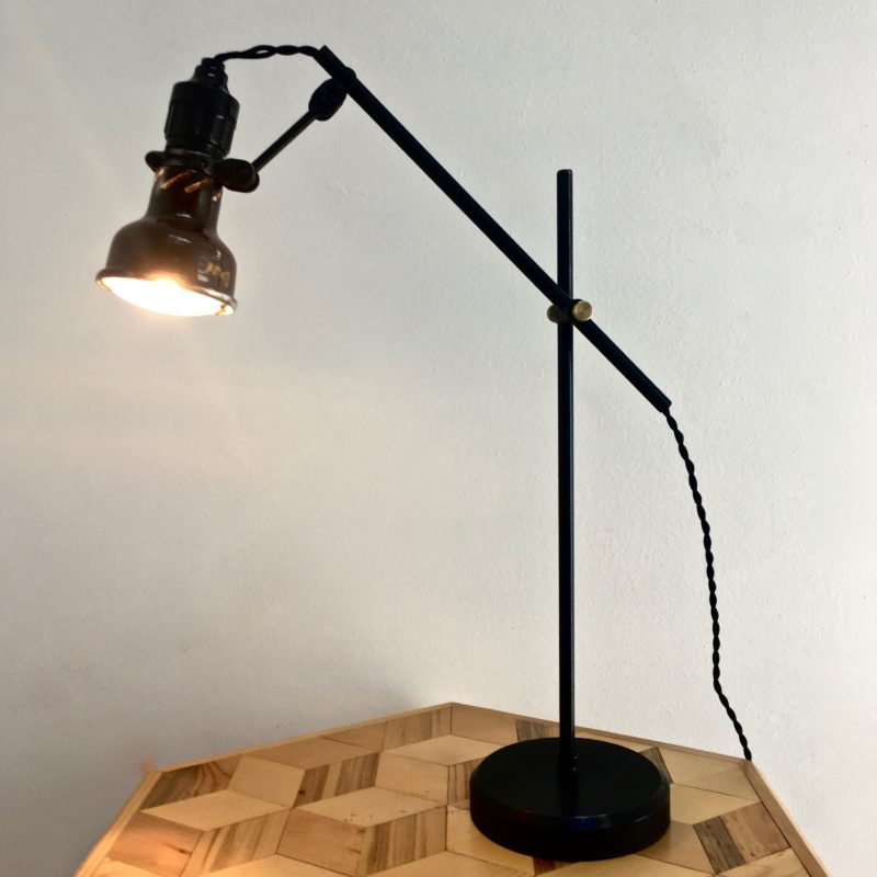 lampe lumina fresnel 40's allumée_maison_liedekerke_maison-lk