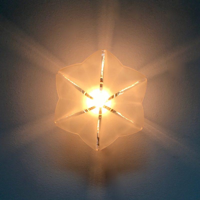 Applique hexago étoile verre sablé face allumée_Maison_Liedekerke_maison-lk
