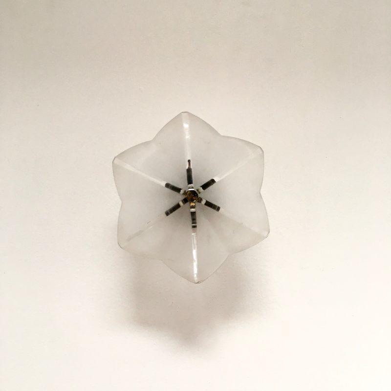 Applique hexago étoile verre sablé face éteinte_Maison_Liedekerke_maison-lk