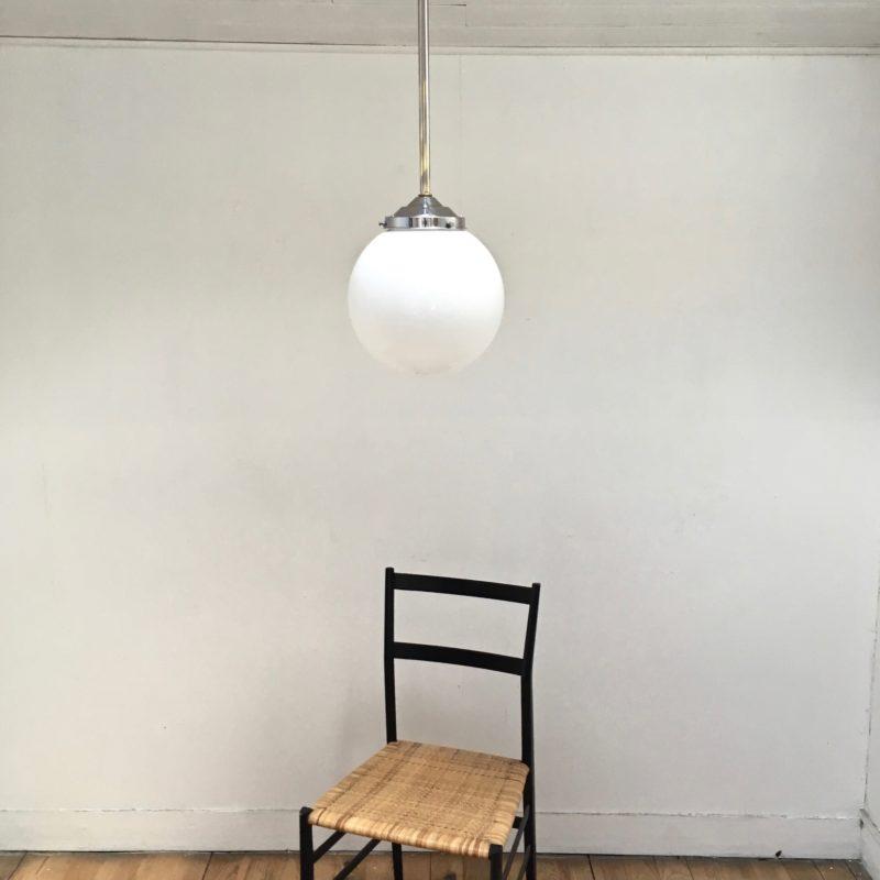 Boule Opaline 50's vue éteinte _Maison_Liedekerke_maison-lk