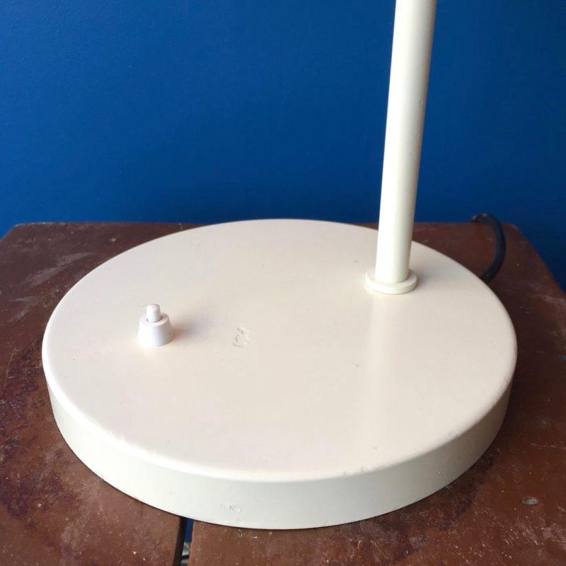 Lampe-de-bureau-opala-vue-base_maison_liedekerke_maison-lk
