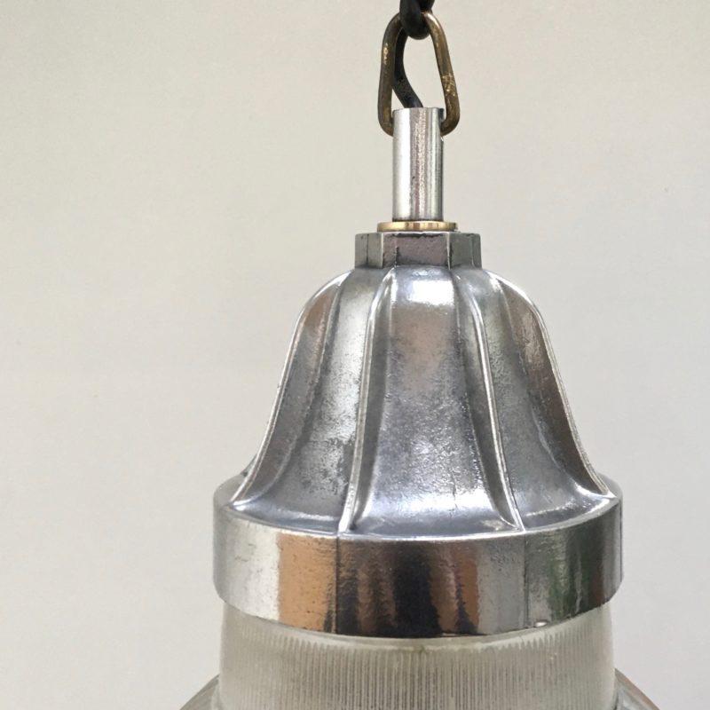 Suspension-Holophane-double-verre-zoom-accroche-éteinte