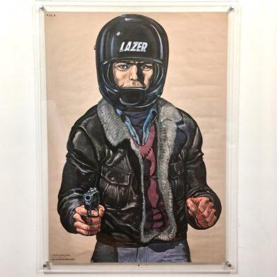 Affiche-PJ-homme-motard_vue-générale_Maison_Liedekerke_maison-lk
