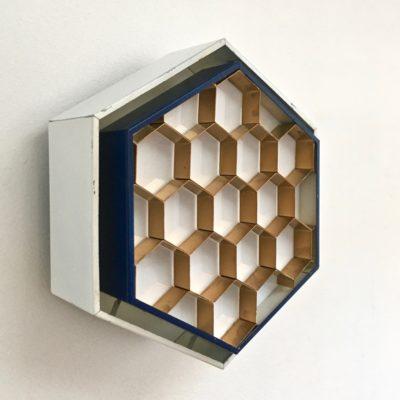 Applique-ruche-vue-34-coté-éteinte_Maison_Liedekerke_maison-lk