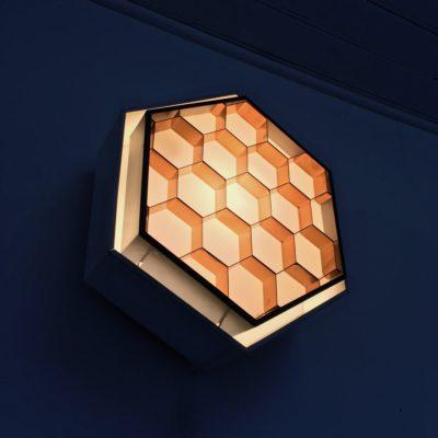 Applique-ruche-vue-34-dessous-allumée_Maison_Liedekerke_maison-lk