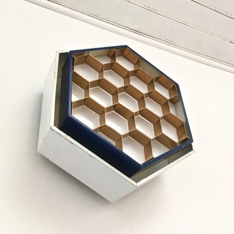 Applique-ruche-vue-34-dessous-éteinte_Maison_Liedekerke_maison-lk