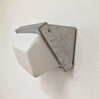 Applique_inclinée_acrylique_Maison_Liedekerke_maison-lk.com