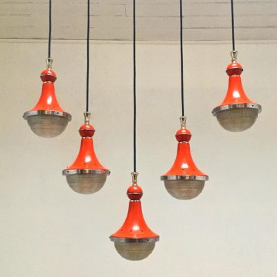 Suspension_Holophane_orange_Maison_Liedekerke_maison-lk