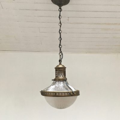 Suspension_Holophane_prismatique_1920_Maison_Liedekerke_maison-lk.com